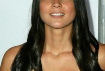 Olivia Munn / Lisa Olivia Munn, is an American actress and model. She was credited as Lisa Munn in her early career, but since 2006, she has used the name Olivia Munn both personally and professionally