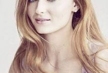 Sophie Turner / Sophie Turner is an English actress. Turner made her professional acting debut as Sansa Stark on the HBO fantasy television series Game of Thrones, which brought her international recognition and critical praise.