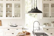 Spaces I Love / Beautiful photos and design inspiration for your home! LoveGrowsWild.com