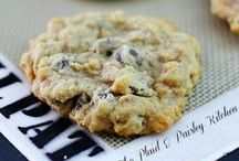 Cookies / The Best Cookie recipes live right here in this board! Drop cookies, rolled out shaped cookies, frosted cookies, chunky cookies, thin cookies......Perfect for the cookie monster is in all of us!