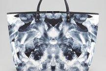 Fashion | Handbags / by Razzer