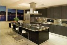 Kitchen Inspiration / Feast your eyes on kitchen styles of all types! From designs, layouts, cabinetries, countertops, sinks, views, etc., these kitchens have it all!