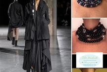 outfit , Io la porterei così , I would take her like this / Esty  https://www.etsy.com/it/shop/OMhandemade #fashionday #necklace #collana #collane #girocollo #outfit