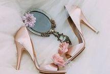 کفش نامزدی /  مدل های متنوع کفش نامزدی مناسب برای ست کردن با لباس های نامزدی رنگی
