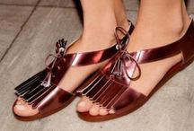 Amazing Shoes, Women