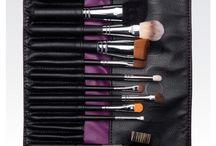Younique / Hochwertiges Make-up