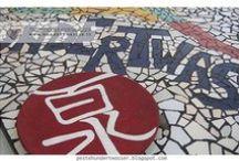 """hundertwasser life / cosa è finito in questa cartella?... alcune immagini e suggestioni raccolte in rete...  tutte quelle che in qualche modo mi han fatto sospirare e pensare """"oh! qui c'è aria di Hundertwasser!""""  <3 fotografie di chi consapevolmente o inconsapevolmente lo mantiene vivo!"""