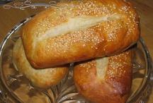 Breads & Rolls / by Yvonne Hagen