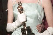 Oscar Gowns Revisited / The beautiful gowns of former Oscar winners.