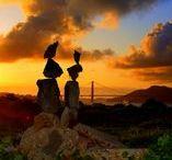 Bill Dan / Nasce in Indonesia, vive a San Francisco, ed è conosciuto in America, Giappone, Corea e Filippine. Il suo lavoro è la forma più esemplare della stone balancing. Infatti afferma che non è sua intenzione creare composizioni complicate come fanno altri, perché l'arte delle pietre in equilibrio deve essere semplice e 'pulita'