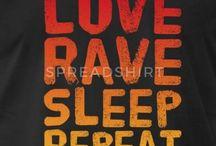 RAVER Sprüche - T-Shirt Design / Bitte Raven Sie HART! Für alle Hardcore Dancer die ein Shirt, Hoodie etc. benötigen. Diese Produkte werden vor allem auf Raves, Festivals und Rave - Parties oft getragen!