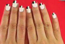 Uñas tricolor / Aplica a tus uñas un decorado tricolor ¡muy fácil y rápido! https://youtu.be/R941JuQh0uo