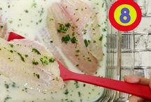 Descongelando Pescado / Una buena forma de descongelar los filetes de pescado es colocarlos  en un recipiente de vidrio, agregar leche, perejil, ajo en polvo, sal y  pimienta. Déjalo marinando en esta mezcla dentro del refrigerador  hasta que se descongelen por completo. Esto no solo ayudará a que  se descongele más rápidamente sino que le dará un mejor sabor y  textura. Ven a Comercial Mexicana y Mega donde encontrarás  pescado siempre fresco y delicioso a precios increíblemente bajos.