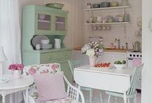 Interior Ideas for Tiny (and Little) Houses