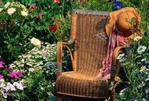 Gardening Spaces / by Debbie Hibbert
