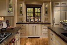 Kitchens / by Sonya Booton