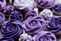 Cupcakes ..Cupcakes ..and more Cupcakes / by Dina Zarour