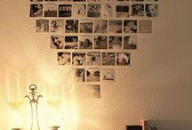 壁に写真を