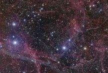 U n i v e r s o / ✮Fazemos parte do mesmo universo, mas pertencemos a mundos diferentes.✮