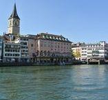 Zürich Sehenswürdigkeiten / Reisemomente aus Zürich: Sight Seeing, Architektur, der Zürichsee, wunderschöne Ausblicke. Ich habe auch ein paar Reisetipps, damit es nicht zu teuer wird!