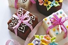 kitchen art / cupcakes, cookies and decorative cakes