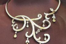 Jewelry - Necklaces, Pendants & More