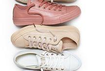 Sneakers / Adidas, Reebok, Nike, Converse, Vans, etc.