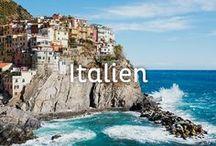 Italien Urlaub / Italien ist das Land für alle Sinne! Egal ob Städtereisen in Rom, Bologna oder Neapel, Strandurlaub in Lignano, Apulien oder Sizilien oder Roadtrips durch die Toskana oder an der Amalfiküste … das Land hat wirklich für jeden Urlaubstypen etwas zu bieten. Außerdem ist das Land kulturell und kulinarisch das reinste Paradies!