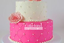 Party Cakes by Texas based bakers / Specialty party cakes in Texas / / Party Cakes . Party Directory. www.TexasPartyPeople.com lists dozens of amazing specialty birthday cakes, graduation cakes, party cakes, funny cakes, wedding cakes- all for Texas based events requiring a cake.