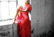 Galeria Fashion / Jak projektant kreuje strój, tak Ty wybierasz swój styl. Dokonaj jednego wybierz Milano. Stwórz swój unikalny i niepowtarzalny styl. Bądź sobą, bądź Milano