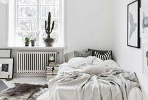 ~ Desks and Beds / Super flot