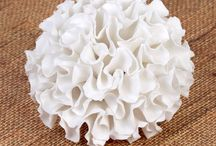 Gumpaste Carnation Sugarflowers / Gumpaste Carnation Sugarflowers that are readymade and great for cake decorating all types of cakes.