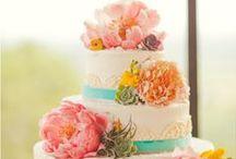 Wedding Cake and Desert Table / by Wendy Meyer Kalwaitis