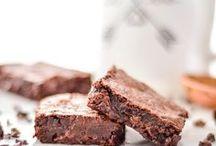 { Brownies & Bars } / Irresistible brownies and bar recipes!