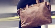 Pleiver / Plevier are a premium Dutch brand that has stood for quality, authenticity and innovation since 1988. Plevier business bags are designed in the Netherlands and are all handmade by craftsmen, a perfect business bag for every professional.