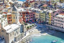 The Cinque Terre / The five villages of the Cinque Terre: pastel coloured houses hugging the cliffs, stunning coastline views, crystal clear waters with fish darting to avoid the local fishermen... Quiet in winter, heaving in summer. Here's all the information you need to plan your visit.