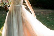 Vintage Hochzeitskleid / Hier wird jedes vintage Hochzeitskleid, das mir begegnet, gepinnt. Falls es eine vintage Hochzeit wird, braucht man auch vintage Hochzeitskleidung. Ist dein vintage Brautkleid dabei?  (Das können auch Affiliatelinks sein, das heisst, evtl. bekomme ich eine Provision, falls jemand über diese Links kauft, für euch ändert sich nichts!)