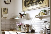 Kitchens / by Alice Biscoe