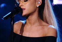⭕️ Ariana Grande