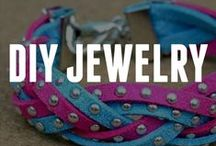 DIY Jewelry / These fabulous homemade jewelry pieces can easily be created by you! Check out these ideas for DIY jewelry for inspiration on how to make DIY bracelets, a DIY necklace, DIY earrings, and many other jewelry crafts.