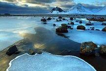 Island || Travel / Dein nächstes Reiseziel auf deiner Bucket Liste ist Island? Dann bist du hier genau richtig! Ob Reisetipps zu den Nordlichtern, den schönsten Wasserfällen, den besten Hot Pots oder einfach Orte wo die Landschaft am schönsten ist - auf diesem Board kannst du dir viele Inspirationen für deinen nächsten Urlaub holen!
