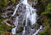 New Zealand Travel ✈ Neuseeland Reisen / Neuseeland - ein Land das vor wunderbarer Natur nur so strahlt! Denn genau dort wirst du die schönsten Wasserfälle, die wildesten Strände und besten Wege zum Wandern finden! Auf diesem Board findest du Tipps für Unterkünfte, MUST SEE ORTE, Rundreisen und noch vieles mehr um deinen nächsten Urlaub für Neuseeland perfekt zu machen!