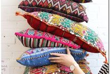 Pillows / They are the mostimportant home staging accessory.Pillows provide pops of color, texture and luxury on a small budget. Because the price tag is low, you can change them whenever you want, depending on the season or trend and let them cheer you up!