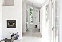 Une maison toute blanche / Le blanc est indémodable, sobre, raffiné et sophistiqué. Quelques idées pour l'adopter dans votre maison. / by Mistergooddeal