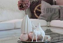 Shabby Chic / Des meubles en bois blanc, des motifs à fleur et des couleurs clairs : pastel, rose poudré. Élégant et sobre, le Shabby Chic redonne de la lumière à votre intérieur.   / by Mistergooddeal