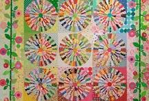 Quilts / by Tarri Van Dalsem