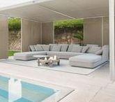 EXCELLENT   Outdoor furniture