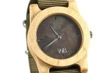 Kolekcja KALIPSO / Kolekcja kalipso to efektowny i dopracowany zegarek z ekskluzywnych gatunków drewna w połączeniu z kamienną tarczą oraz antyalergicznym paskiem.  MUST HAVE 2017!