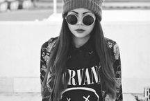 Grunge Fashion Eyewear / Was wäre der #Grunge Look ohne die #Sonnenbrillen?