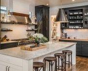 Home | Kitchen / Home kitchen inspiration including: white airy kitchens, marble countertops, quartz countertop and waterfall counters with kitchen island.